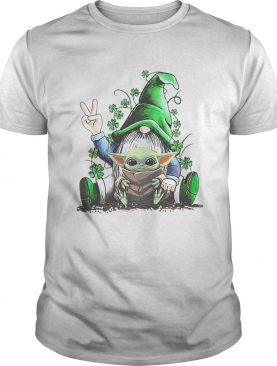 Gnome hug Baby Yoda Irish St Patricks day shirt